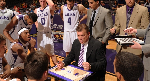 Brad Underwood Stephen F Austin Set Play